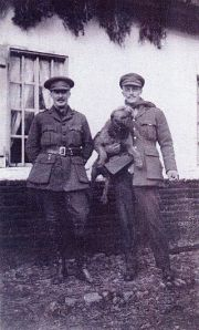 1917_Arthur_Villiers_and_Gerald_V_Wellsley
